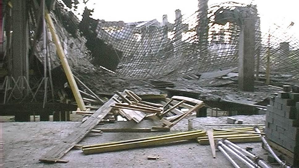 Крыша обрушилась в одном из зданий дзержинского «Химмаша»
