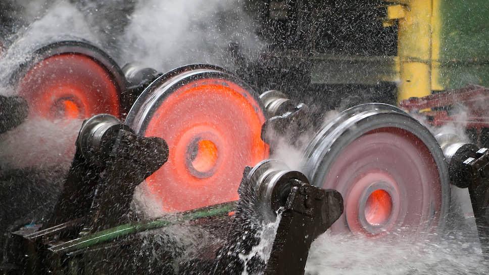 На Выксунском металлургическом заводе горел колесопрокатный цех