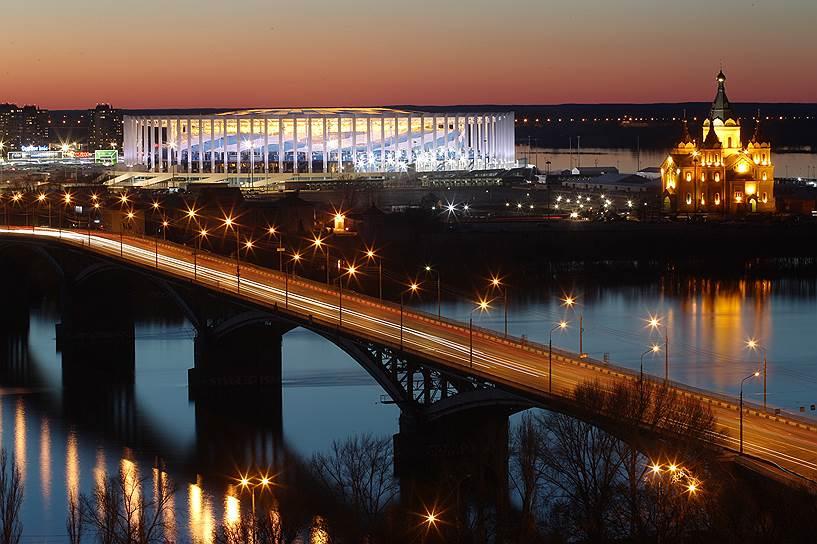Большая вода добралась бы и до нового стадиона «Нижний Новгород», построенного на Стрелке, и до одноименной станции метро