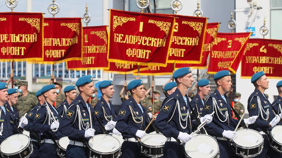 Десантникам выпала честь пронести штандарты фронтов Великой отечественной войны