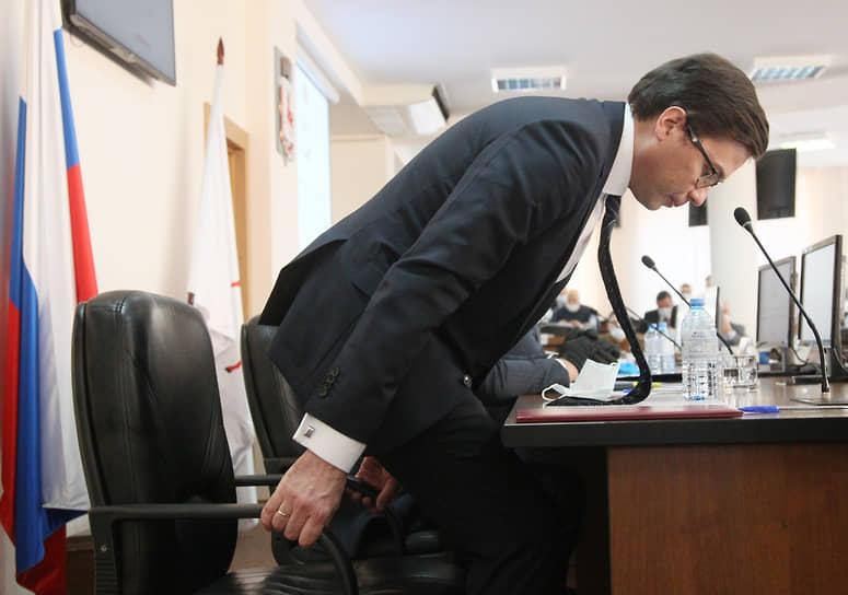 Кресло мэра, как и предполагалось, досталось Юрию Шалабаеву