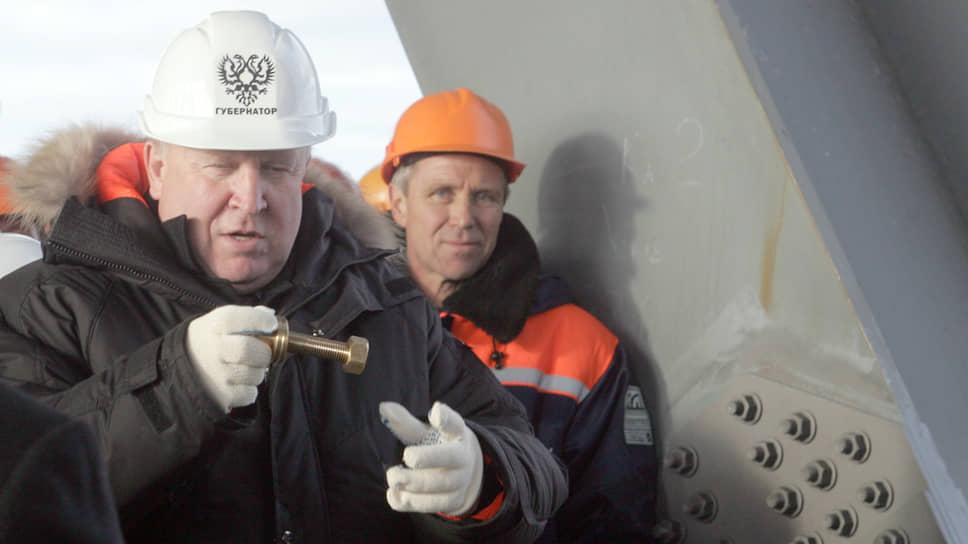 """В ноябре 2008 года в метромост была завернута """"золотая гайка"""". Губернатор Шанцев (на снимке) разделил эту честь с мэром Вадимом Булавиновым"""