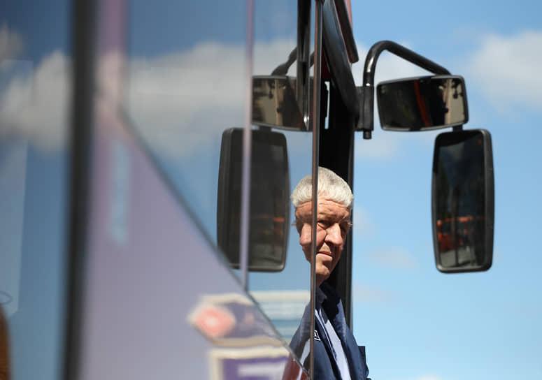 Смотри в оба – главная заповедь водителя автобуса