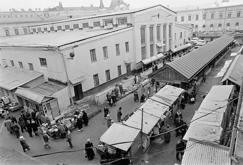 Здание Мытного рынка. 1998 год