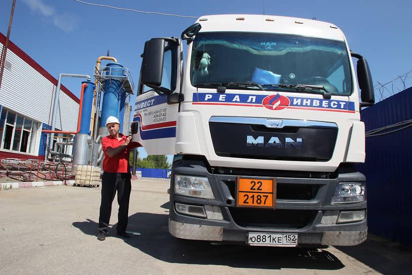 Водитель грузовика всегда может найти работу – привозить что-то нужное, или увозить ненужное на мусорные полигоны
