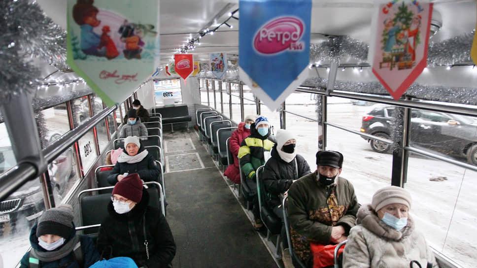 Празднично украшенный трамвай становится новогодней приметой в Нижнем Новгороде