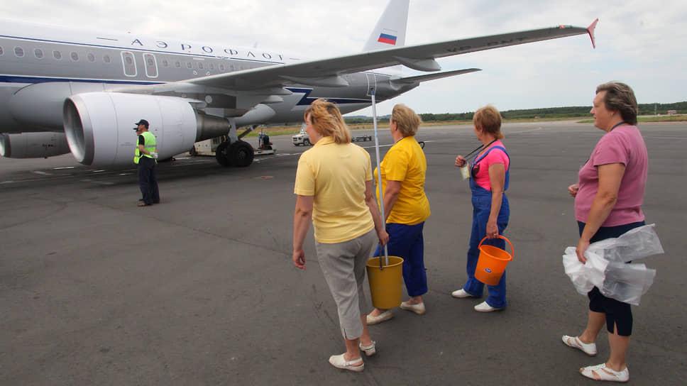 Уборка салона самолета – обязательная процедура перед каждой посадкой пассажиров