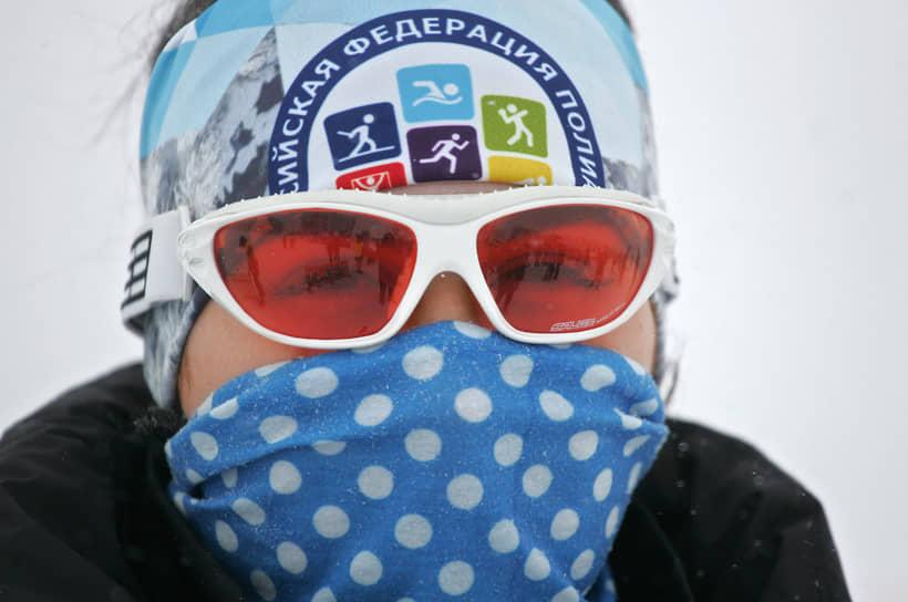 Всех спортсменов и болельщиков обязали носить маски, чтобы защититься от коронавируса