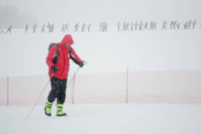 Погода во время забега была по-настоящему зимней  – снег шел уже второй день, не переставая