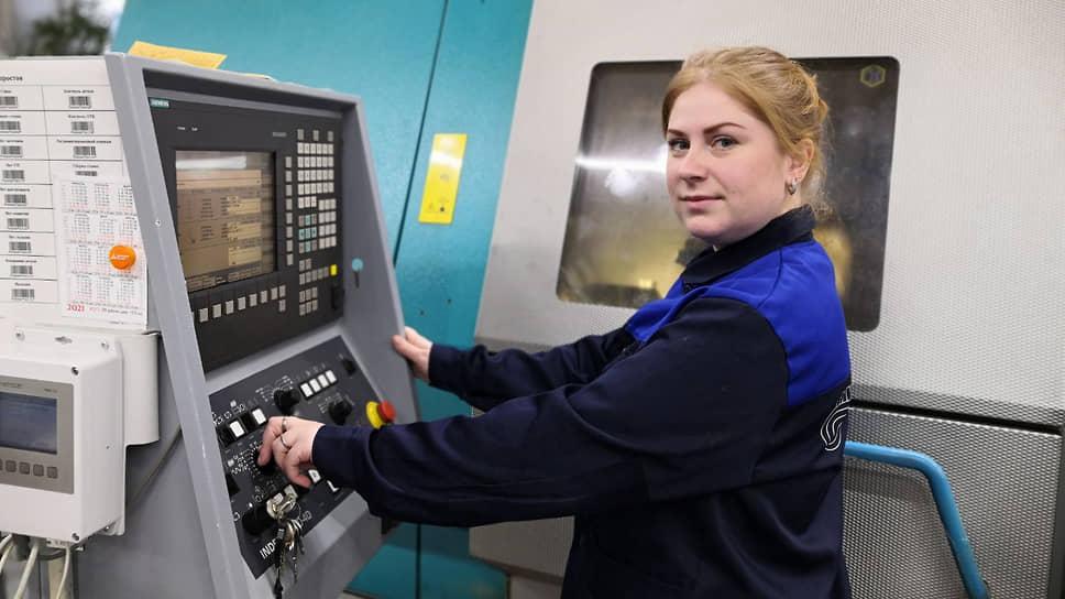 Татьяна Зеленова, оператор токарных станков с ЧПУ, работает на «Гидромаше» с 2007 года