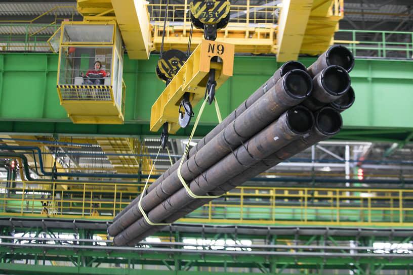 На Выксунском металлургическом заводе большинство крановщиков представляет прекрасный пол