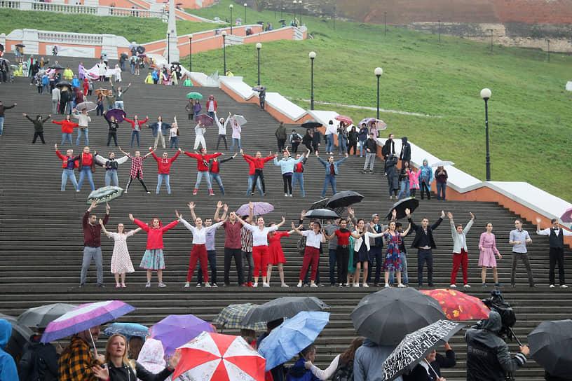В 2019 году на День города на Чкаловской лестнице провели танцевальный флешмоб