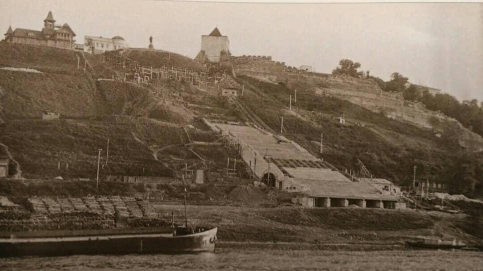Строительство Чкаловской лестницы началось в 1943 году