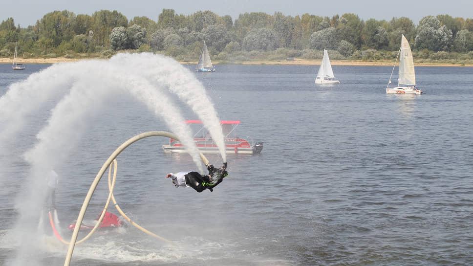 Юбилей позволил показать самые современные технологии развлечения, в том числе на воде