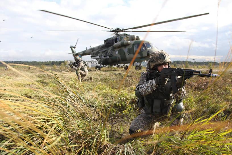 Важно не только удачно приземлиться, но и быть готовым к бою