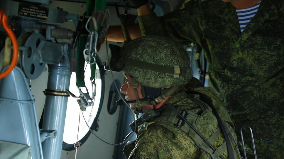 Иллюминатор вертолета – отличная наблюдательная точка