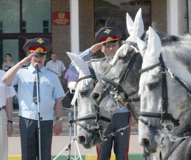 Даже эксперименты ГУВД с отрядами конной полиции не смогли помочь прижиться лошадям на городских улицах