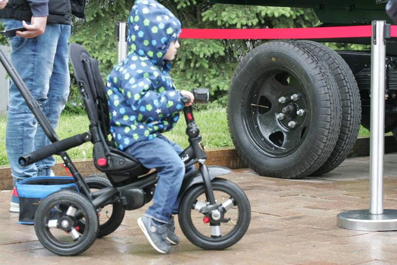 Велосипед так прост в управлении, что доступен даже самым маленьким