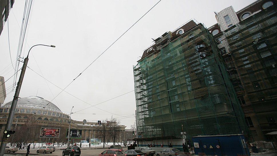 По мнению экспертов, главный плюс строящегося отеля Александра Бойко, управлять которым будет Marriott, безупречное местоположение — в шаговой доступности от мэрии и оперного театра