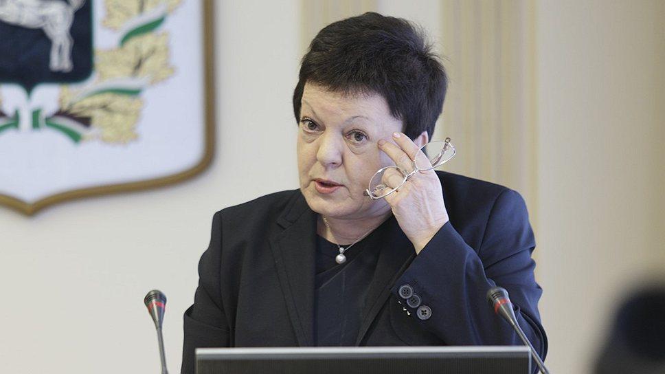 Уполномоченная по собственным правам / Нелли Кречетова потерпела неудачу в первой попытке вернуться на пост омбудсмена