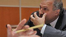 Эдуард Худайнатов добыл первую нефть