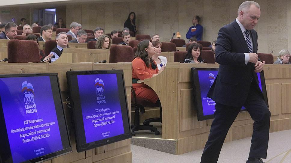 Исполнять обязан / Областной суд позволил и. о. мэра Владимиру Знаткову не уходить в отпуск