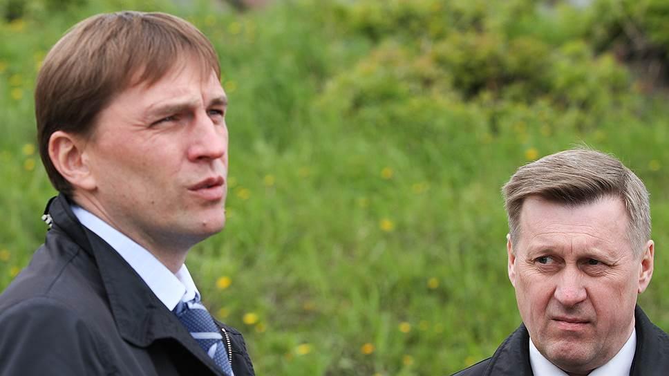 Беспартийный Виктор Игнатов (слева), работая заместителем мэра Новосибирска коммуниста Анатолия Локтя (справа), «никогда не отделял» себя от «Единой России»