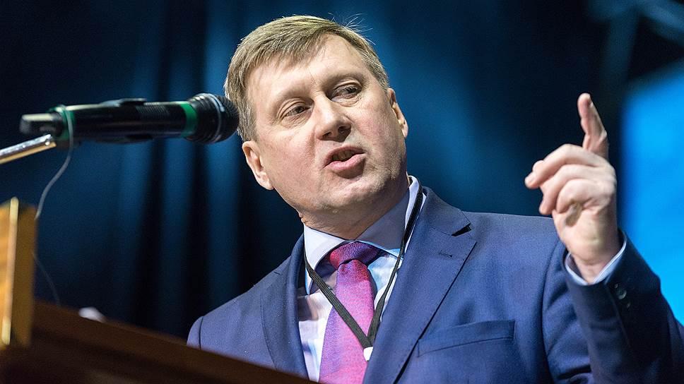 Мэр Новосибирска призвал коммунистов  бороться за победу на выборах губернатора