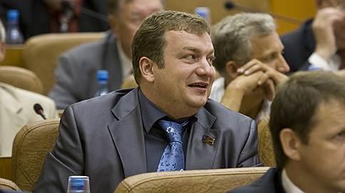 Один за полтора // Бывший алтайский депутат вышел на свободу досрочно