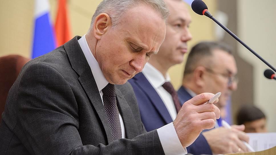 Кандидатура Андрея Панферова (на переднем плане) должна консолидировать всех, уверен Валерий Ильенко (на заднем плане)
