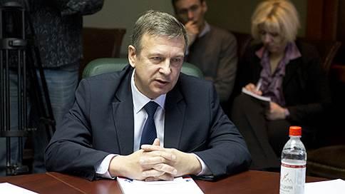 Жидкие бытовые доходы  / Замглавы Барнаула подозревают во взятке за заключение контракта на вывоз нечистот