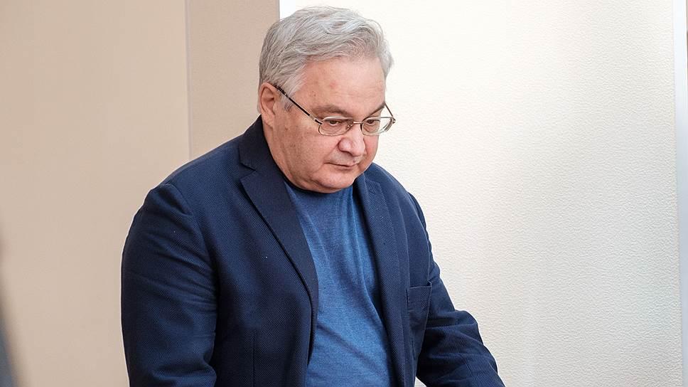 Михаил Садовой считает себя невиновным и сожалеет, что недостаточно тщательно контролировал ситуацию в финансовой службе клиники