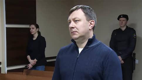 Возьмут и за суд  / За посредничество во взяточничестве экс-судья получил семь лет заключения