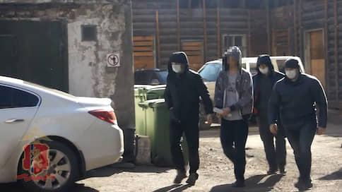 Подозреваемый в убийстве нашелся по соседству  / В Красноярске задержан подозреваемый в расправе над семьей из трех человек