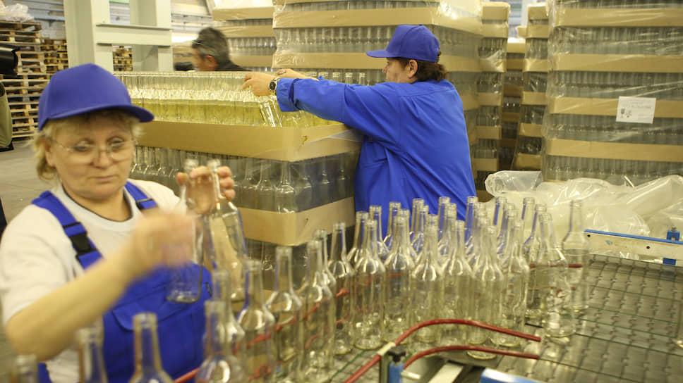 Сейчас Омский стекольный завод производит 390млнед. стеклотары в год