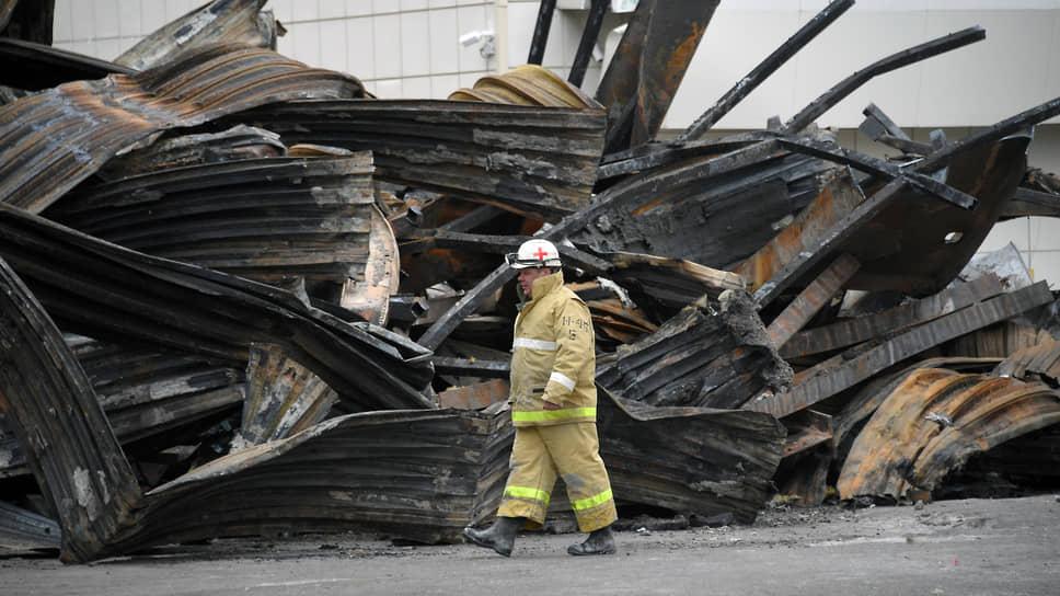 «Зимней вишне» назвали срок / Обвиняемым по делу о пожаре в кемеровском ТРЦ Генпрокуратура запросила от пяти до 14,5 лет колонии