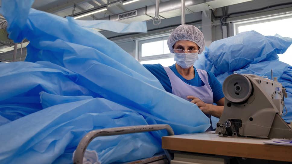Производство текстильных изделий в первом полугодии в Новосибирской области увеличилось  в 2,1 раза — предприятия переориентировались на выпуск медицинских халатов, бахил, гигиенических масок
