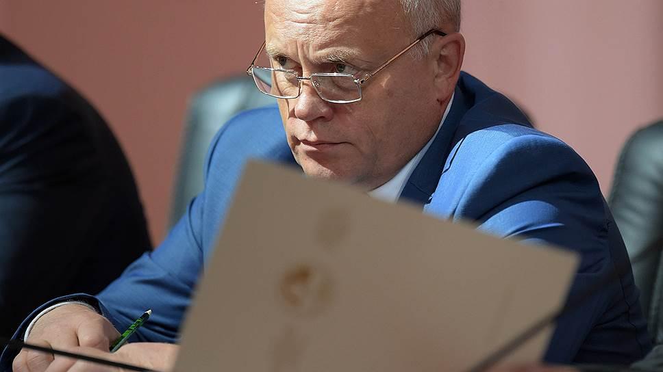 Как бывший губернатор Омской области Виктор Назаров стал сенатором