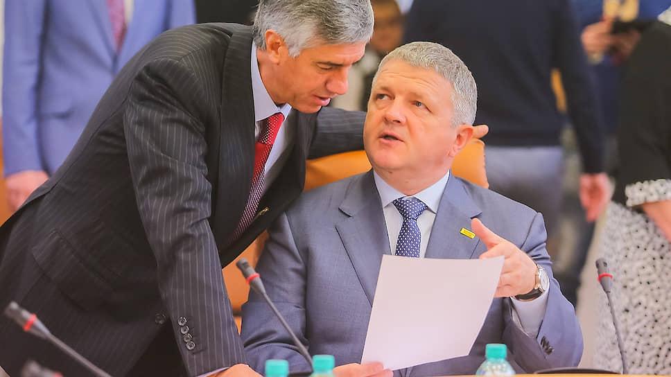 Владимир Владимиров (справа)