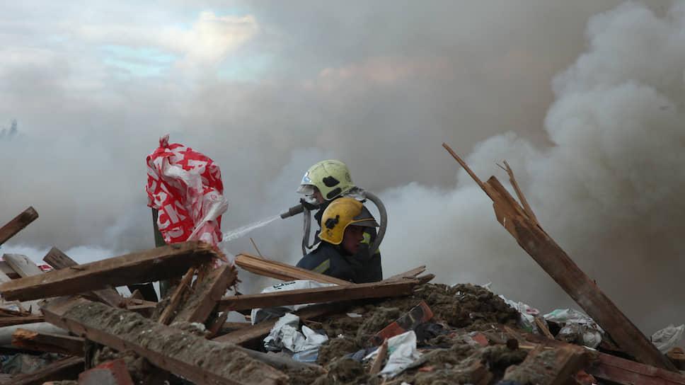В Норильске тушат пожар на полигоне промышленных отходов