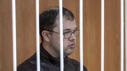 Бывшего мэра Бердска отпустили из колонии  / Илью Потапова приговорил к 10 годам строгого режима в апреле 2015 года