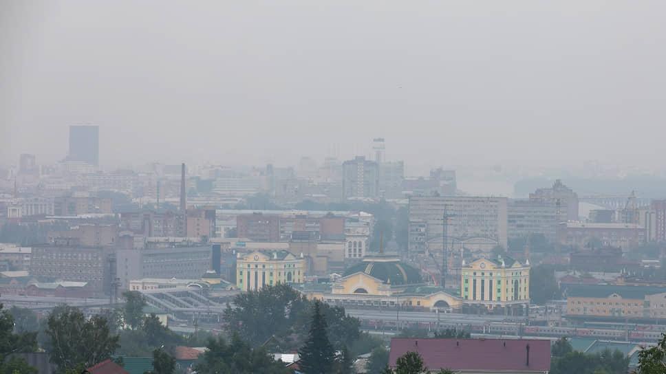 Задымление атмосферы Красноярска в результате лесных пожаров