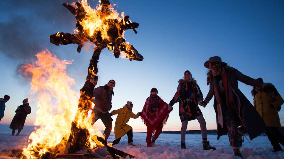 Празднование Масленицы в новосибирском Академгородке