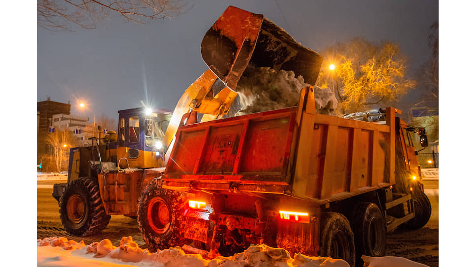 Уборка снега в Новосибирске