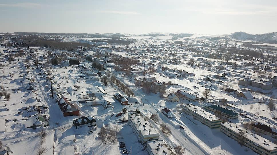 Занесенный снегом Змеиногорск. Вид с воздуха