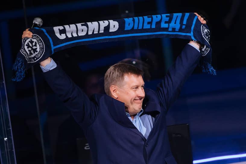 Мэр Новосибирска Анатолий Локоть во время матча с «Амуром»