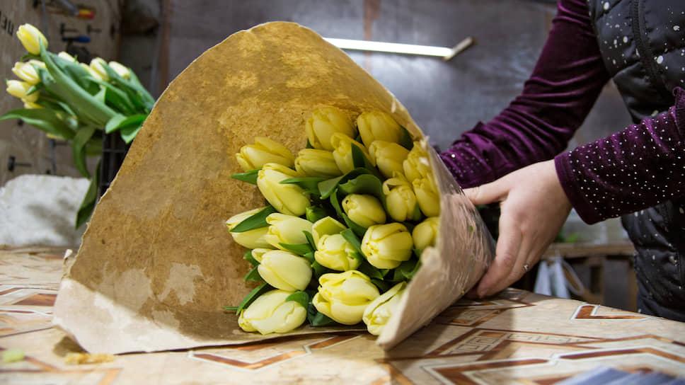 Упаковка и подготовка тюльпанов к хранению на складе