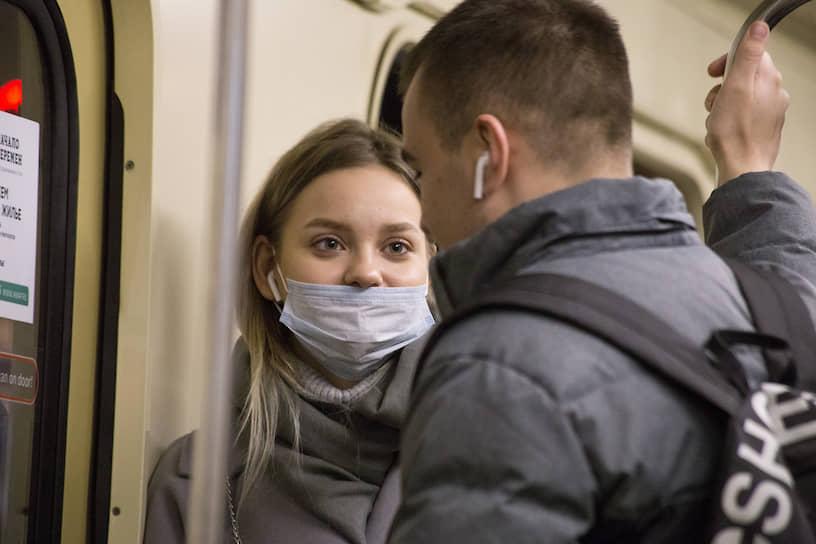 Школьники Новосибирска ушли на каникулы на неделю раньше обычного. Если к 1 апреля эпидемическая ситуация не улучшится, каникулы могут продлить