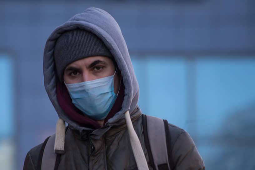 Тканевые маски с бердского предприятия «Медсклад», которые помогут защитить местных жителей от вирусных инфекций, с 19 марта поступили в продажу ряда киосков Роспечати по всему Новосибирску