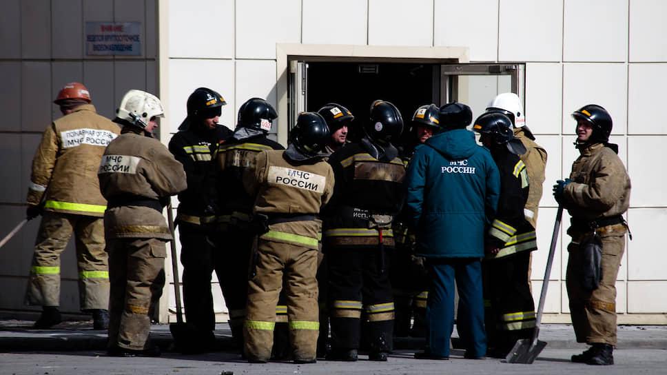 Пожару был присвоен третий номер сложности по пятибалльной шкале, а на территории Кемеровской области был введен режим ЧС федерального уровня